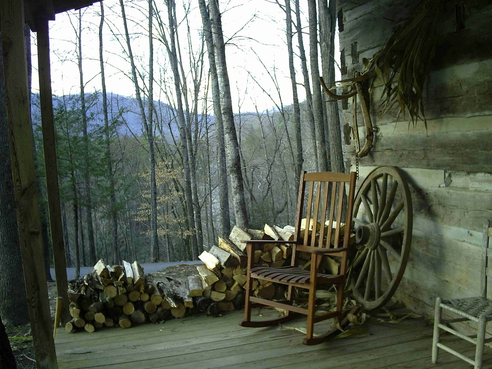Authentic log cabin on the Cherokee Indian Reservation