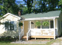 Cottage rental walking distance to downtown Hendersonville